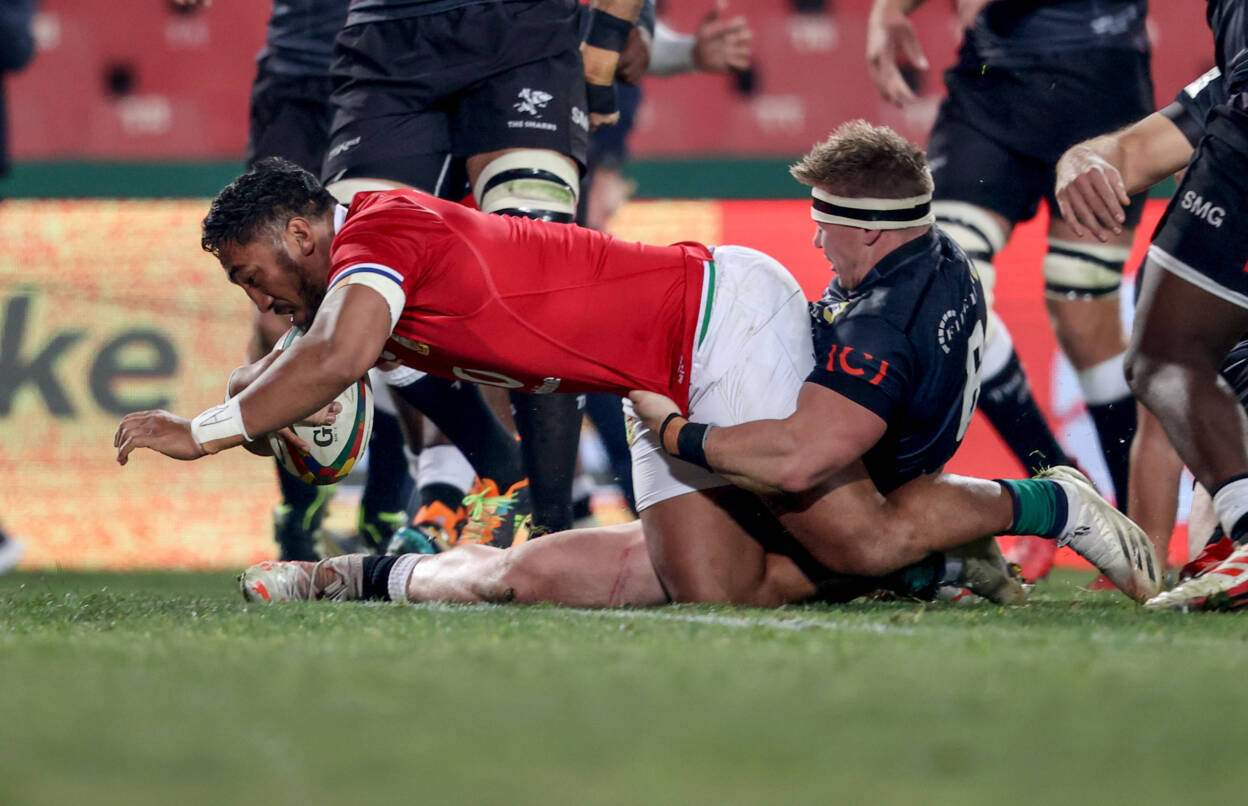 Aki Touches Down As Lions Sweep Sharks Aside